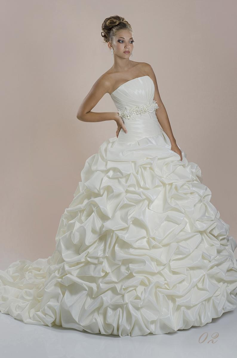 Wedding Dress Dianelli 02
