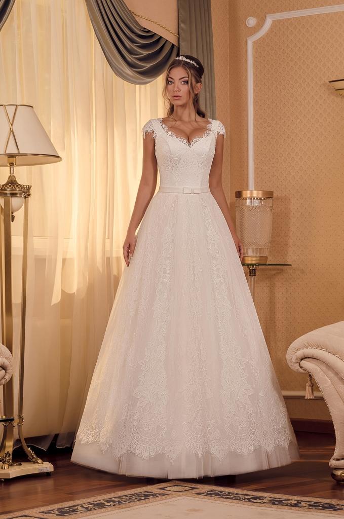 Suknia ślubna Dianelli 0175