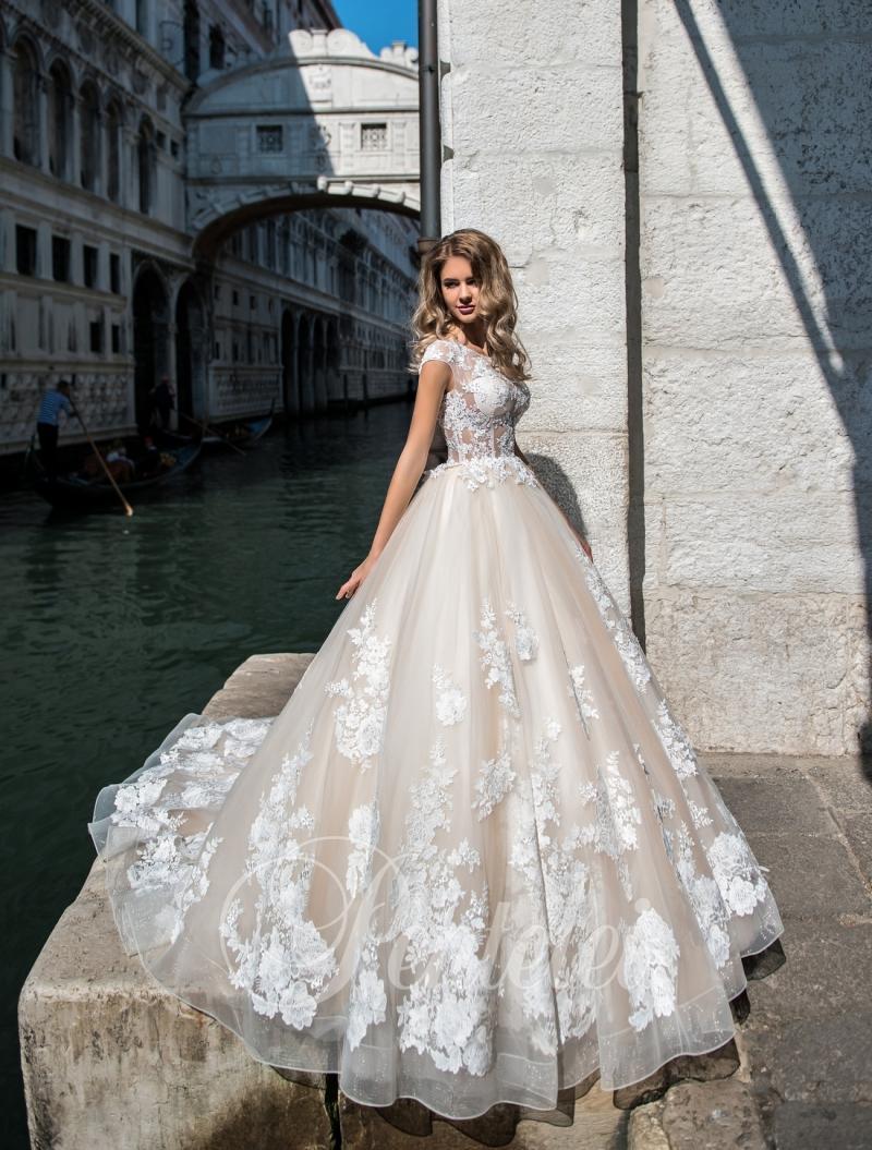 Весільня сукня Pentelei 2200