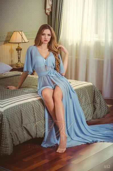 Budoárové šaty Victoria Karandasheva b12