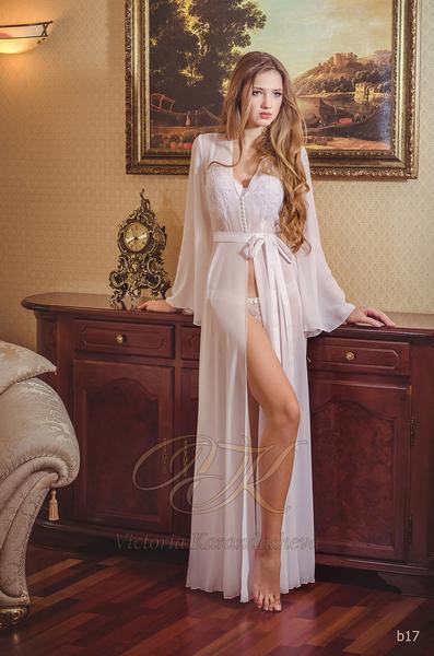 Budoárové šaty Victoria Karandasheva b17