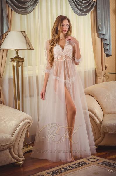 Budoárové šaty Victoria Karandasheva b19