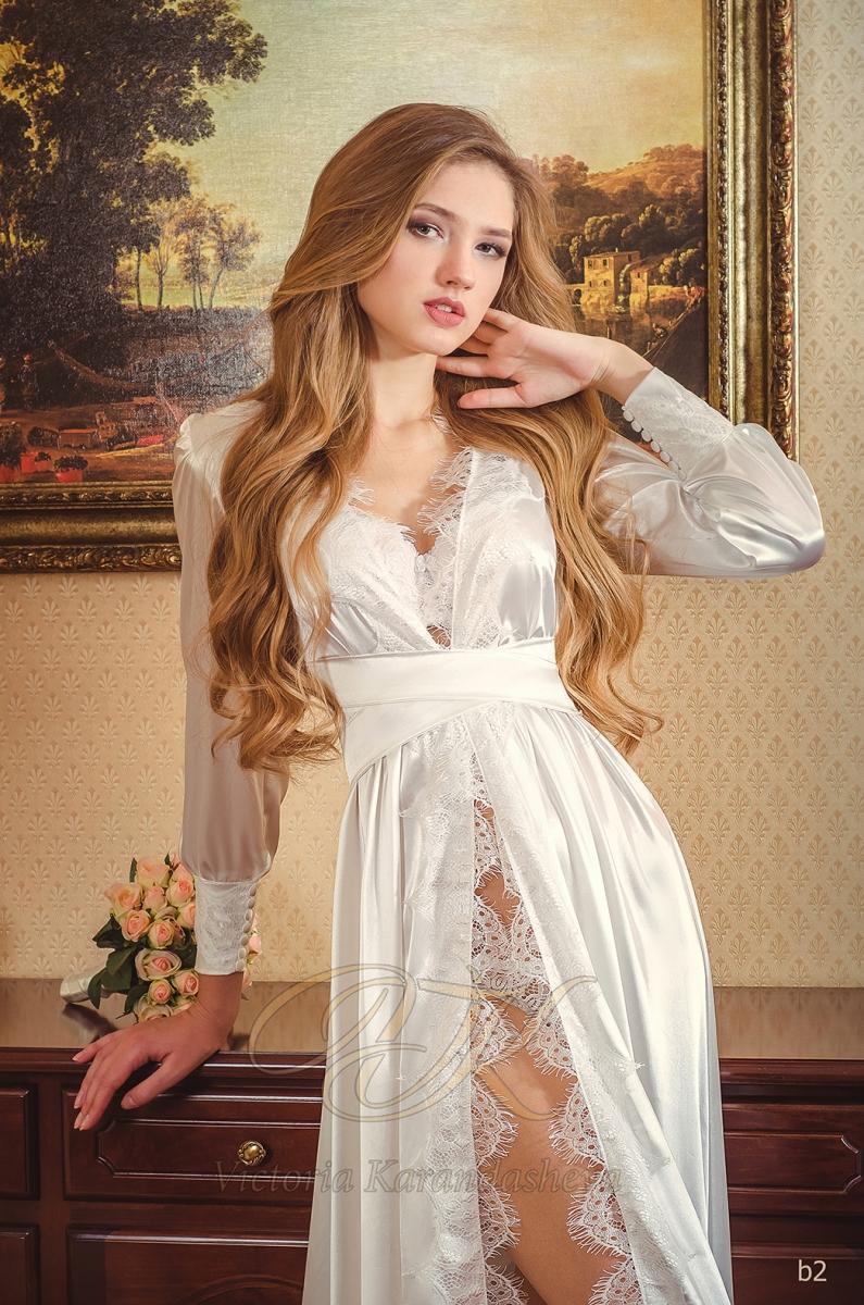 Budoárové šaty Victoria Karandasheva b2