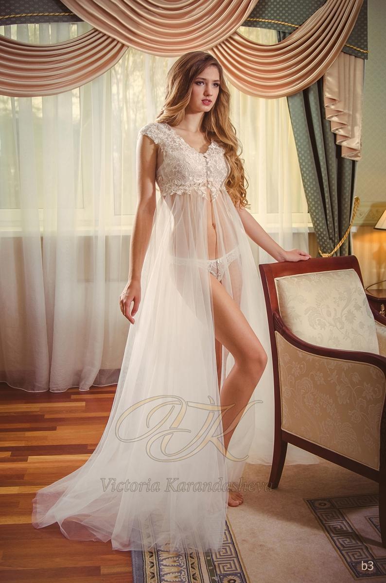 Budoárové šaty Victoria Karandasheva b3