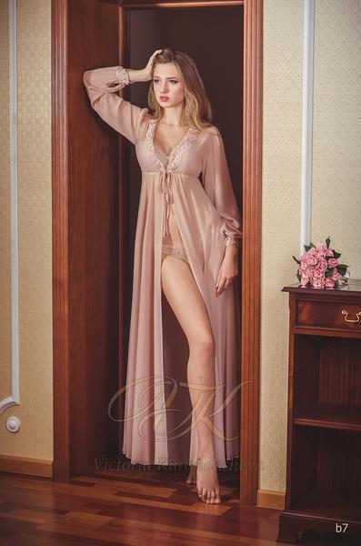 Budoárové šaty Victoria Karandasheva b7