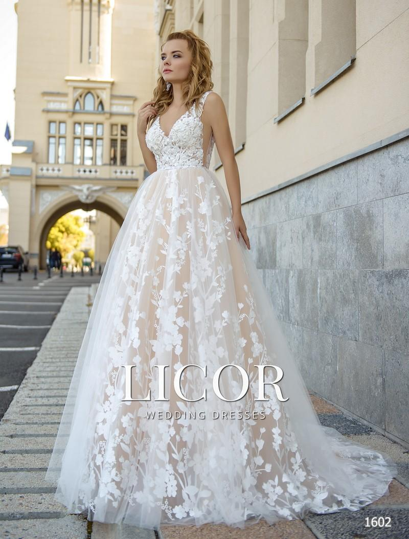 Brautkleid Licor 1602